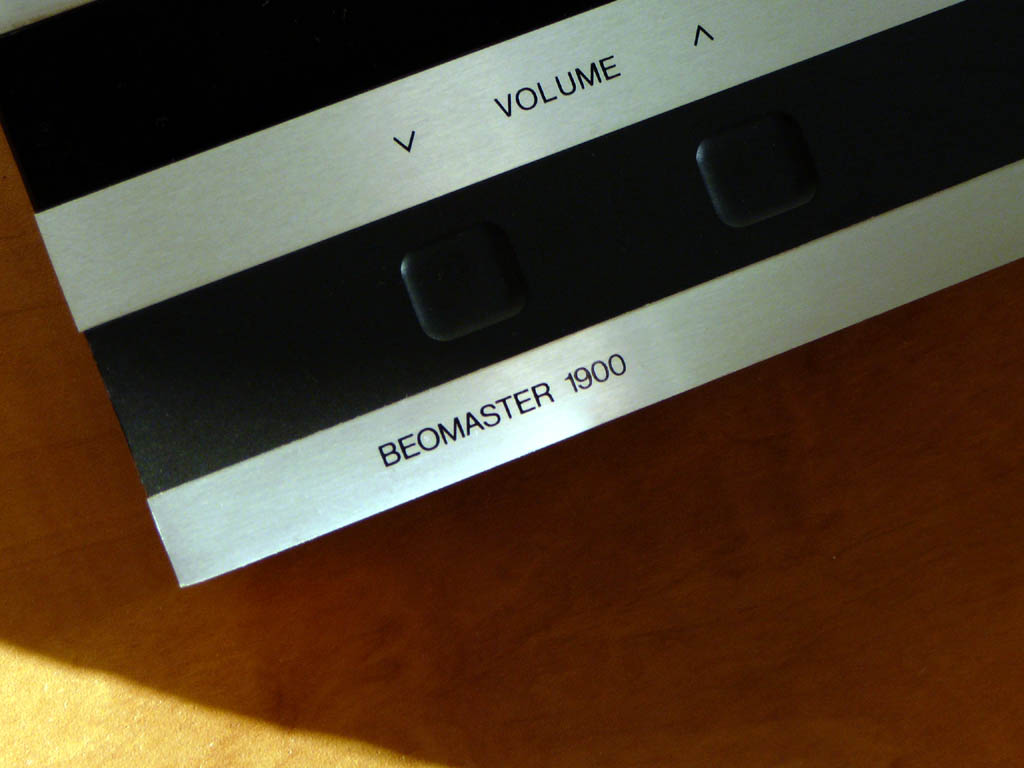 <b>Bang & Olfsen BEOMASTER 1900</b> (1977) : Figure 65 : Close up of volume control :