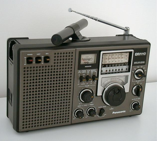 <b>Panasonic RF-2200</b> (1979) : Figure 73 : Original photo - because people cannot believe the radio looks so good. Bought new, for $229.95 CAD and owned this radio from 1979. I listen every night to Coast to Coast with this radio. Only service was once a little DEOXIT for noisy switches. :