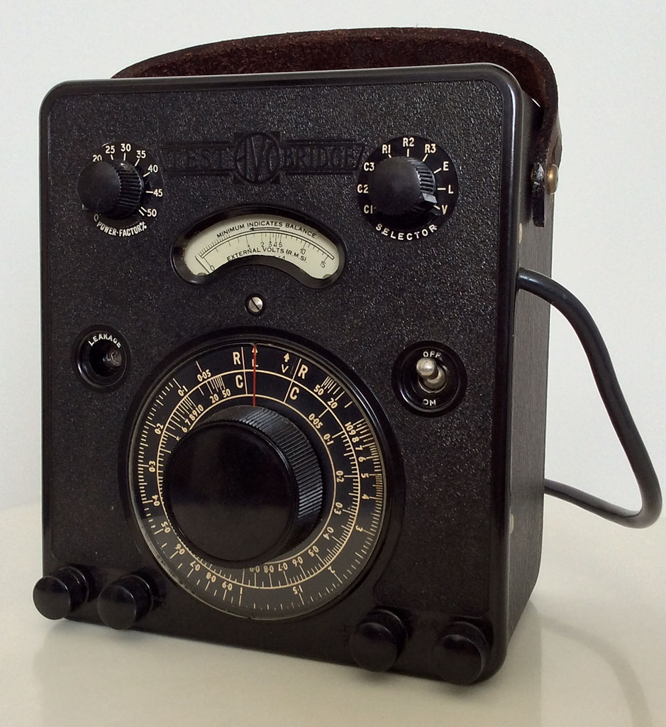 <b>AVO Test Bridge</b> (1944) : Figure 97 : Avo Test Bridge, this fine piece of equipment tests capacitors, resistors, leakage of capacitors, power factor, measures against external standards, and last but not least its a valve volt meter, quite impressive for 1944. :