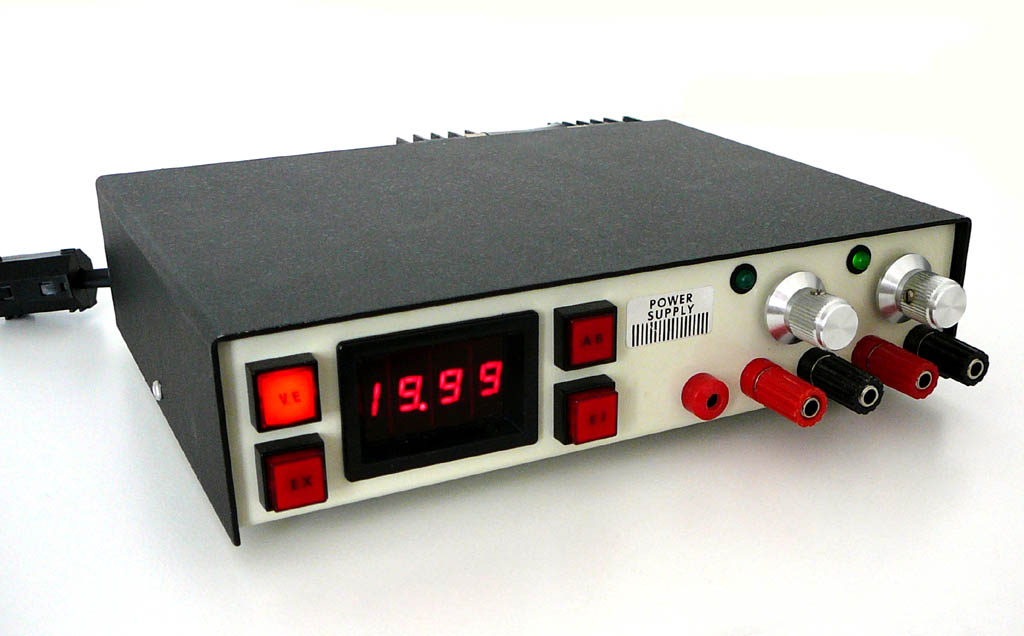 <b>Homebrew Bench Power Supply</b> (1995) : Figure 70 : Linear Dual Isolated Adjustable Output of 1.2-20 Volts 3.5 Amps. Readout displays Voltage and Amperage. Voltmeter has an external conection to channel selected. Four different setups - Isolated, Series, Parallel and Tracking outputs. :