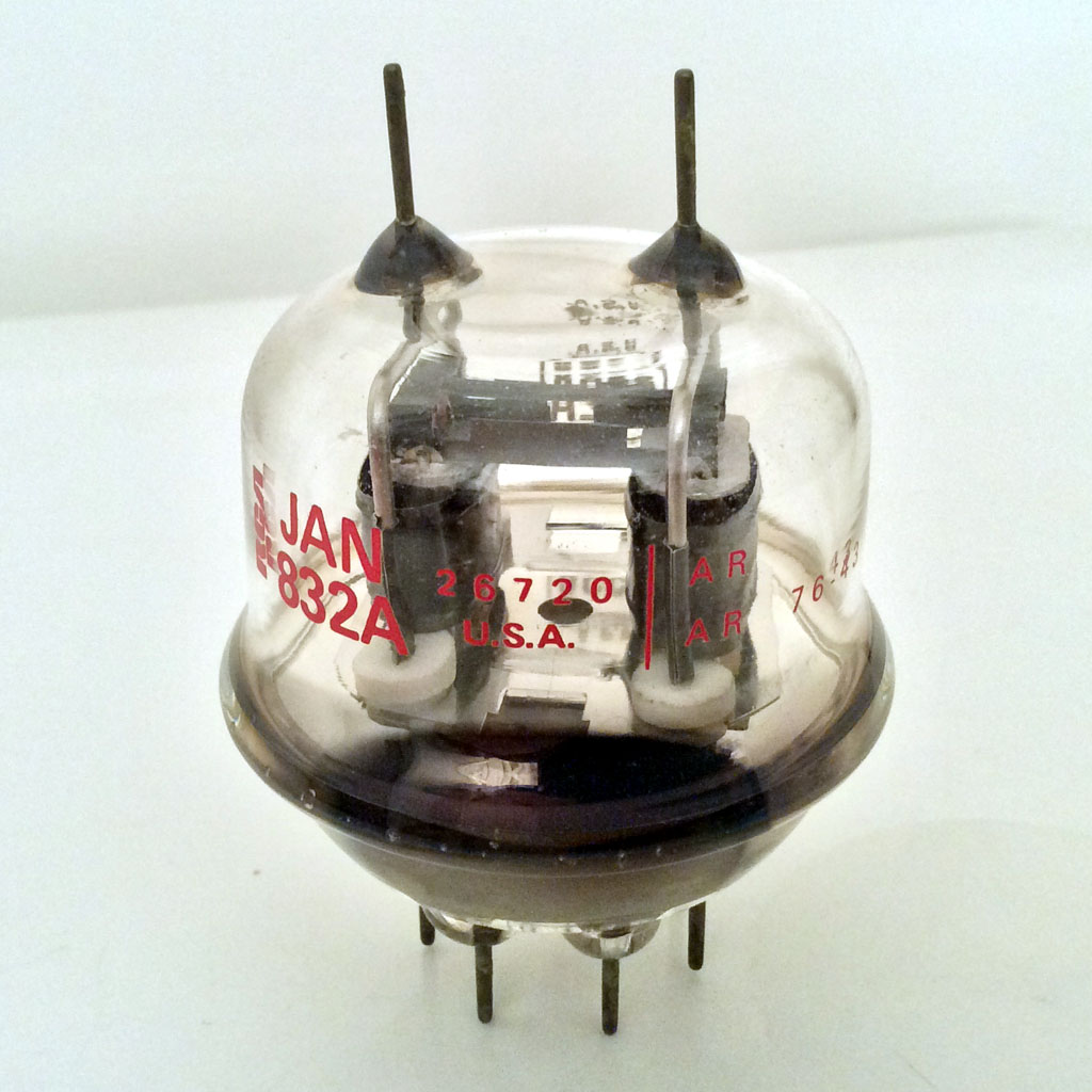<b>RCA JAN 832A</b> : Figure 104 : Unusual Dual Triode Tube :